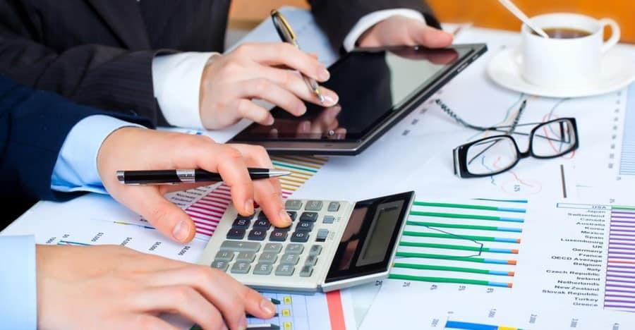 Lập báo thuế cho doanh nghiệp